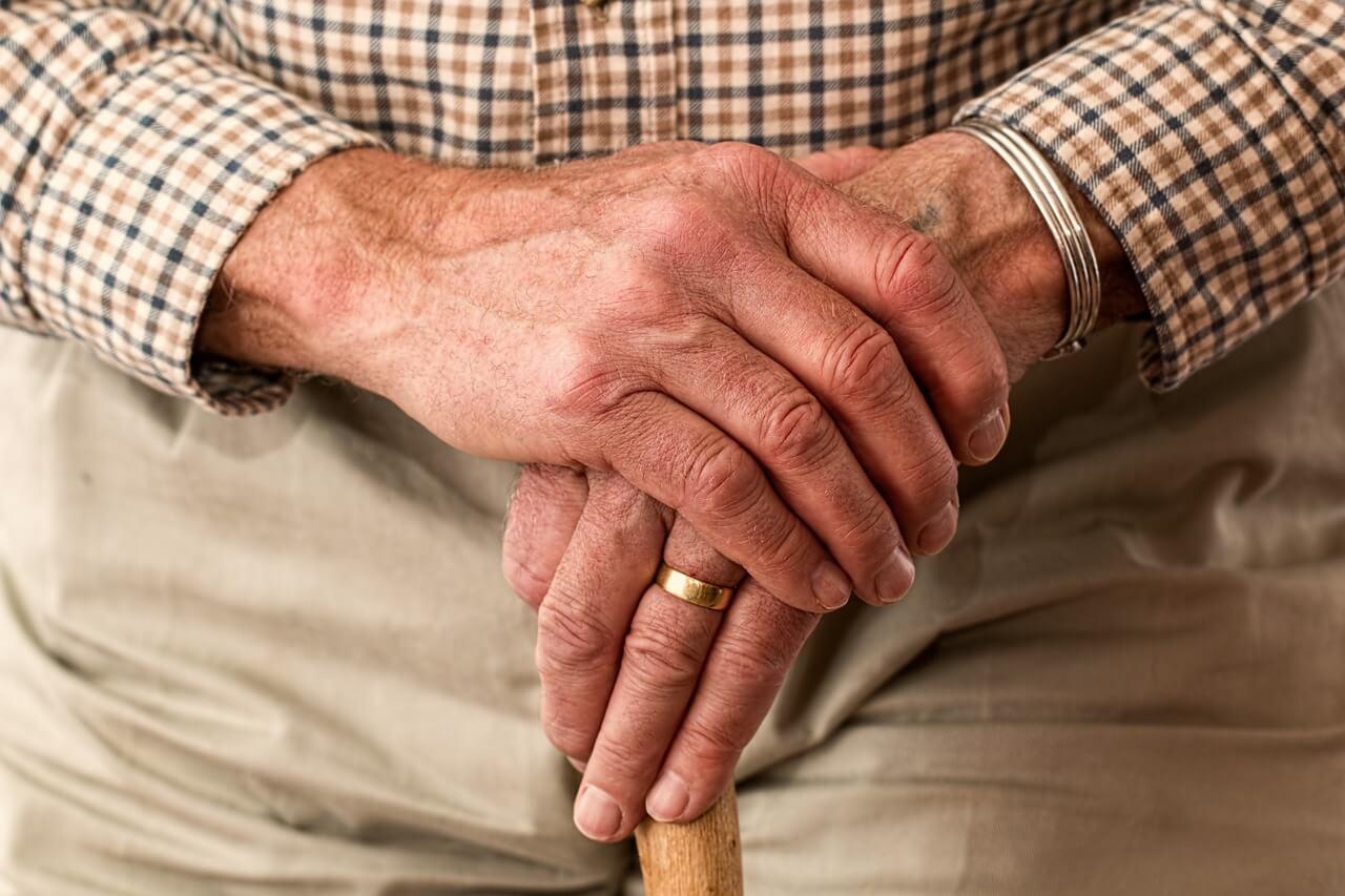 在宅医療で利用する保険は、医療保険なのか介護保険なのか
